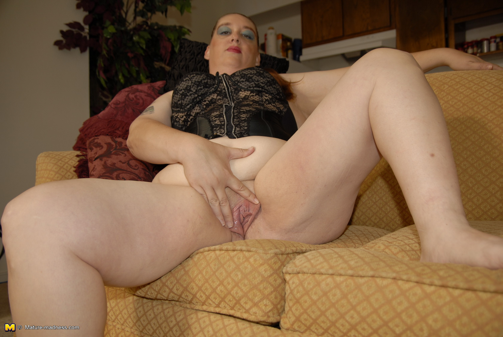 Mature Fisted 113