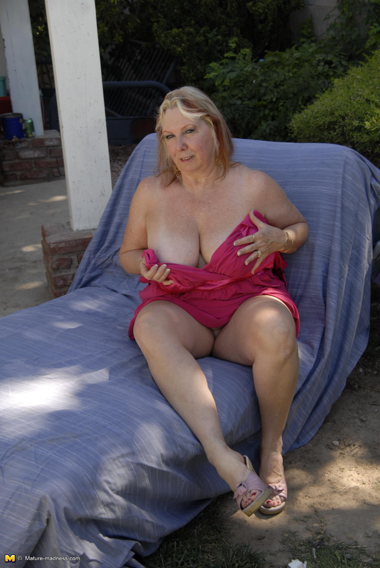 Mature fisted