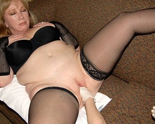 Omaseks Big toys and a fisting hand for this horny mature slut