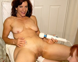 Mama loves to get fisted and toyfucked